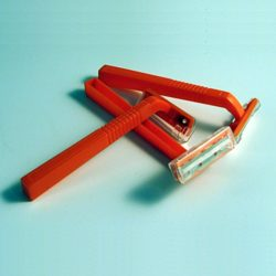 MPP02 Plastic Razor from Sunset Survival and First Aid, Emergency Kits, Disaster Preparedness, Earthquake Survival